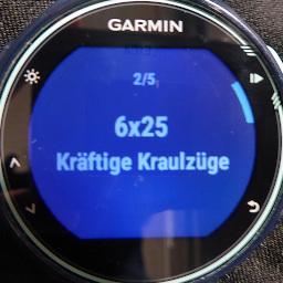 Schwimmtraining auf der Uhr